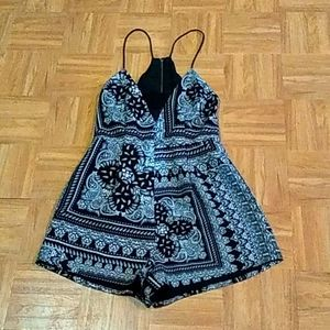 Finders Keepers Black and White Halter Style Rompe